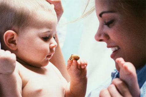 mother-toddler-1