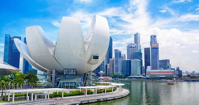 WHY TO CHOOSE SINGAPORE FOR A VIBRANT CAREER?