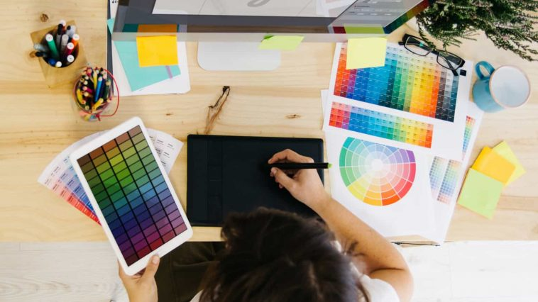 Always Hire A Custom Logo Design Service For Your Business